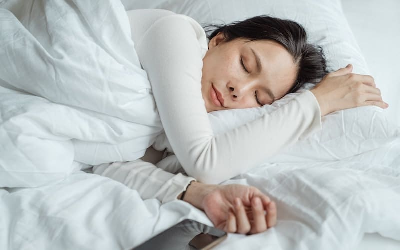 Three things that you can do to improve your sleep.